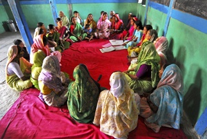 Women's microfinance group in Pune, India