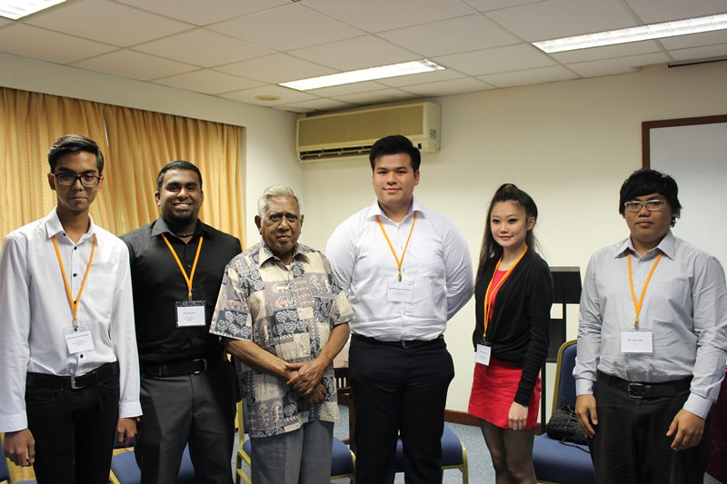 Former president of Singapore S R Nathan (third from left) with recipients of scholarships from the S R Nathan Education Upliftment Fund, administered by the Community Foundation of Singapore. Photo by the Eurasian Association, Singapore.