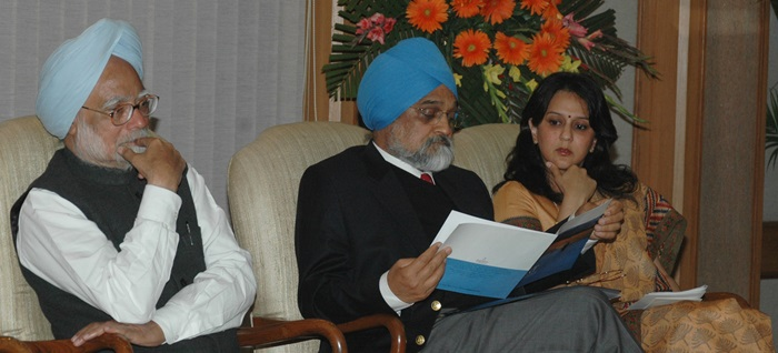 With PM Manmohan Singh (far left) at the launch of the India Water Portal in 2007.