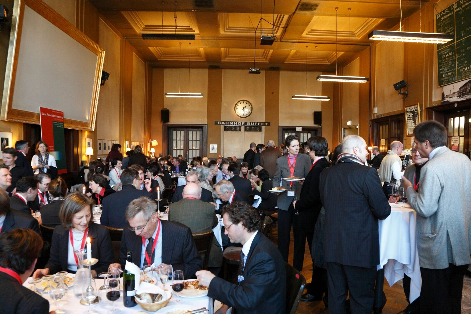 SwissFoundations organizes roundtables on relevant issues where members can network and learn from each other.