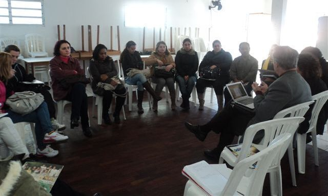 People taking part in ICOM's Vital Signs Report, looking at children and adolescents in Palhoça, Brazil