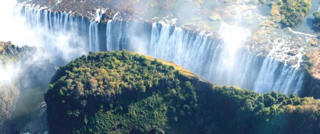 Victoria Falls, Zambia. Credit: Tee La Rosa