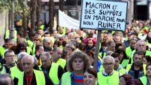 Gilets jaunes-led street protest.