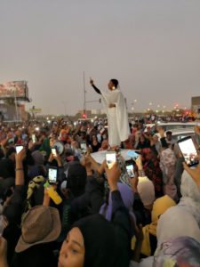 Young Sudanese student Alaa Salah came to symbolise the protest movement against the country's president.